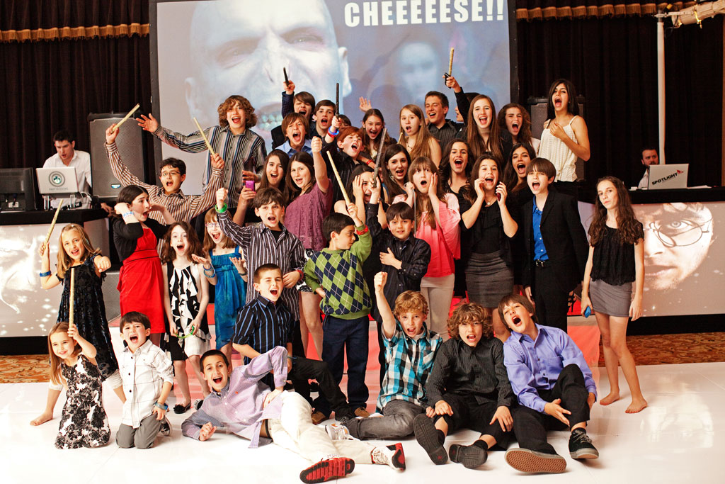 The Best Bar Mitzvah DJ and Bat Mitzvah DJ Experience In Los Angeles