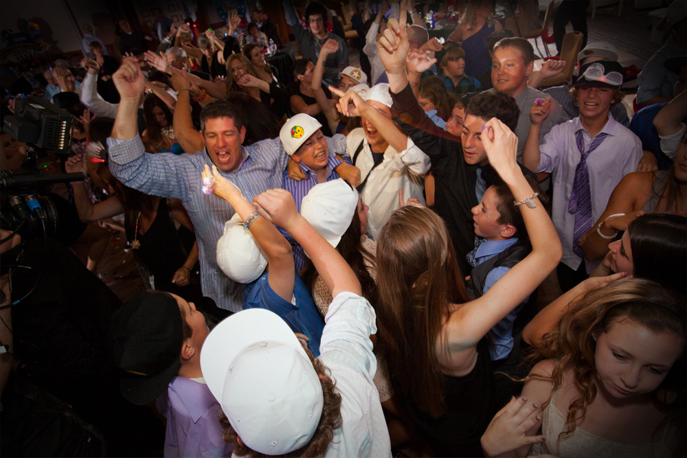 What makes SpotlightLA stand alone in the world of Los Angeles Bar Mitzvah DJ and Bat Mitzvah DJ and all of Southern California is our excitement, creativity and passion.