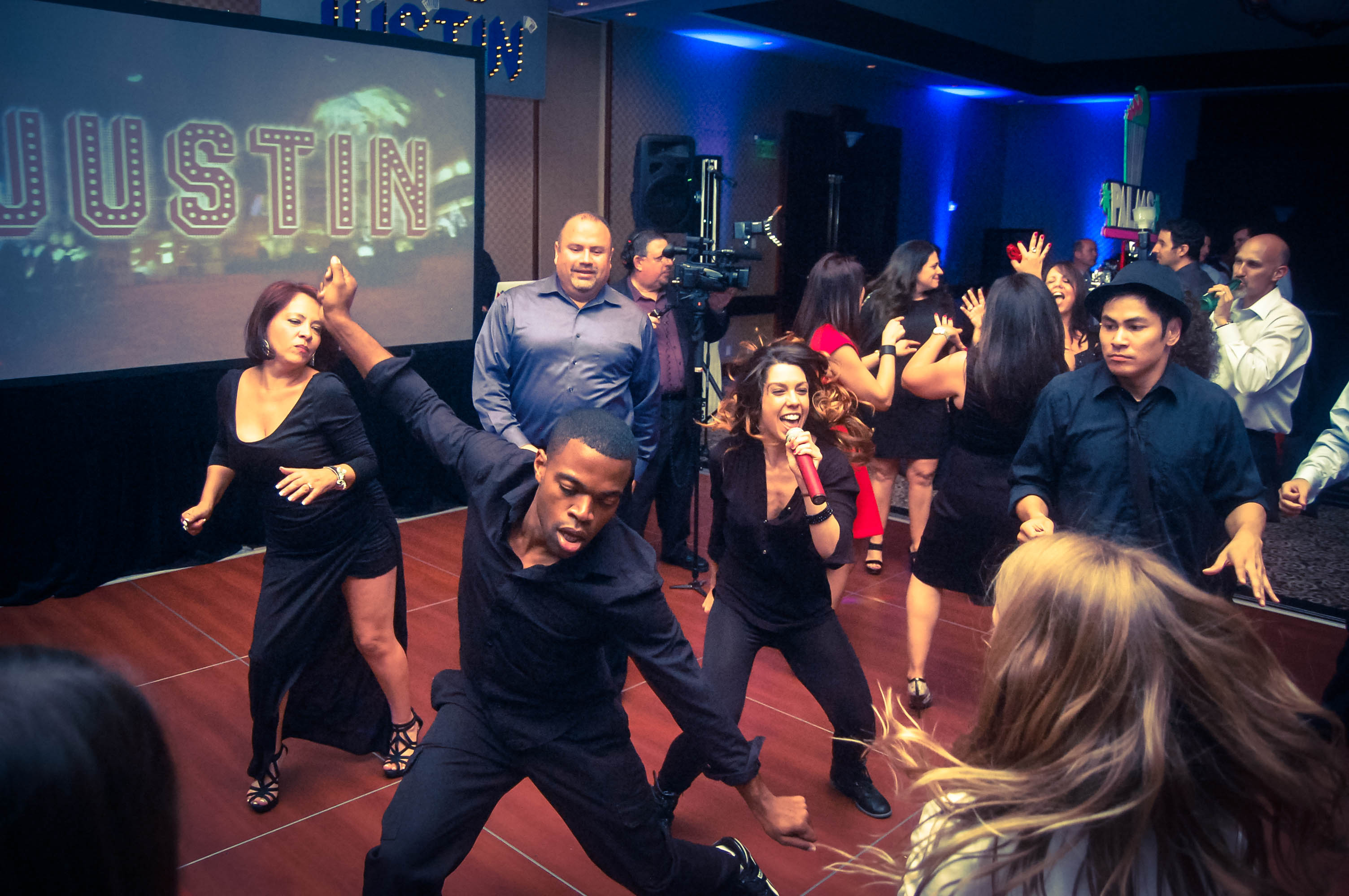 Los Angeles Bar Mitzvah and Los Angeles Bat Mitzvah DJ Celebrations. The best Los Angeles Mitzvah DJs.