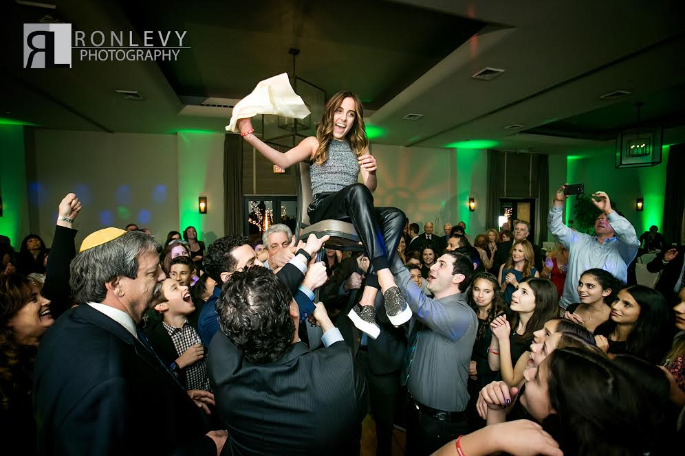 Ron Levy Photography does fantastic work. SpotlightLA loves to work with the best photographers. We are a Los Angeles Bar Mitzvah DJ and Bat Mitzvah DJ based out of Southern California.